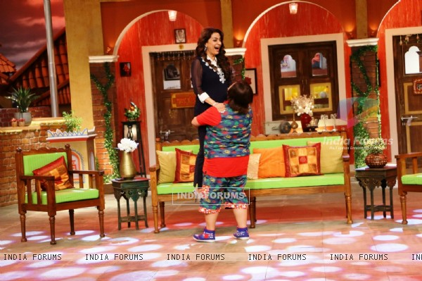 Juhi Chawla and Bharti Singh have a blast on the sets of 'Comedy Nights Live'