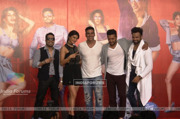 Mika, Jacqueline, Akshay, Riteish and Rithvik Dhanjani at Song Launch of 'Housefull 3'