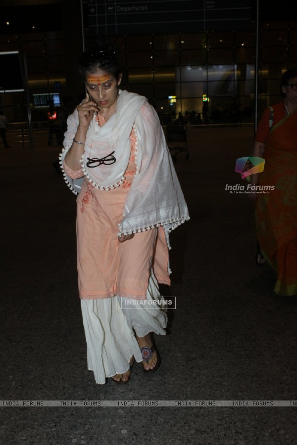 Manisha Koirala Snapped at Airport