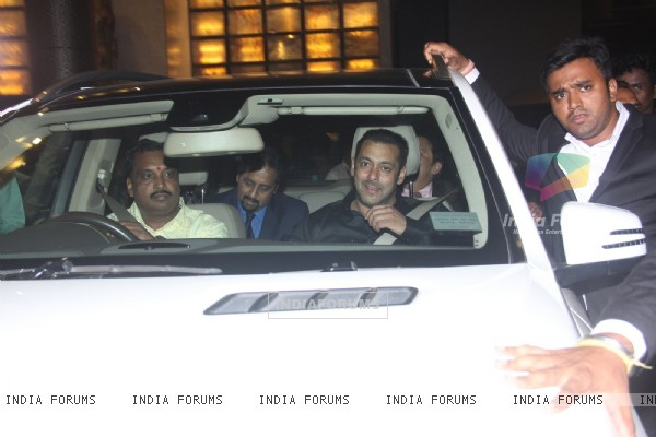 Salman Khan Grace the Wedding Reception of Preity Zinta & Gene Goodenough