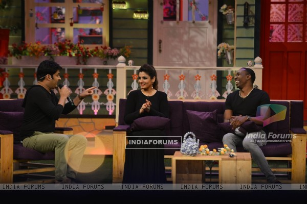 Dwayne Bravo & Raveena Tandon have blast on 'The Kapil Sharma Show'