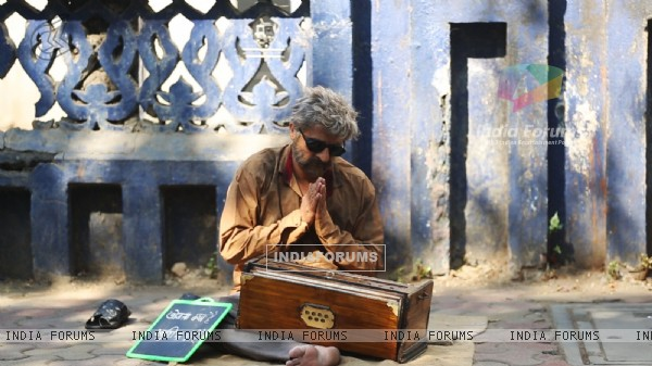 Sonu Nigam As The Roadside Ustaad