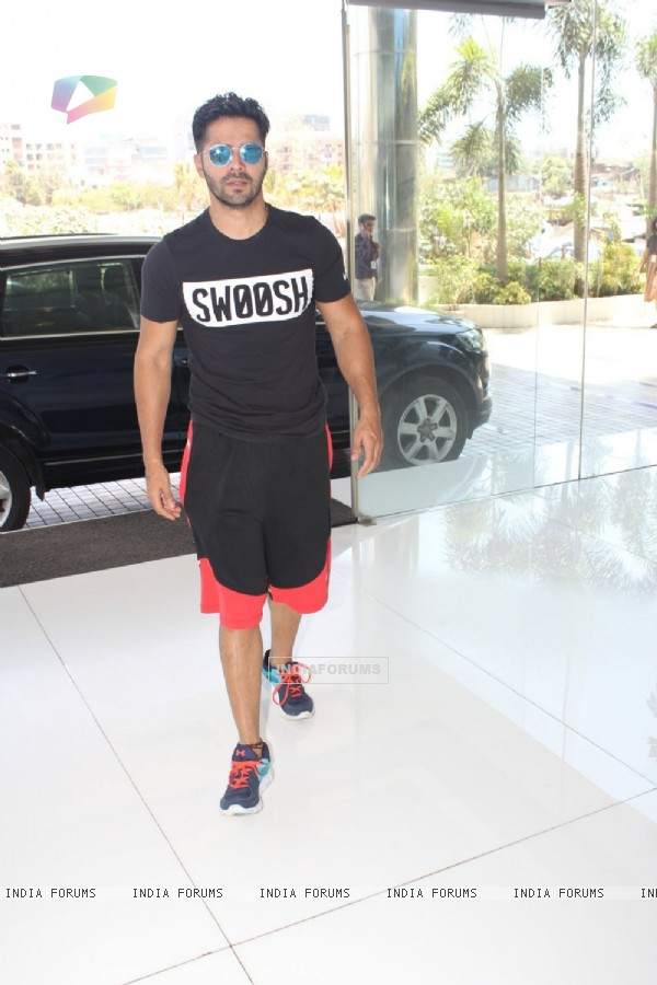 Varun Dhawan at Sajid Nadiadwala's Office!