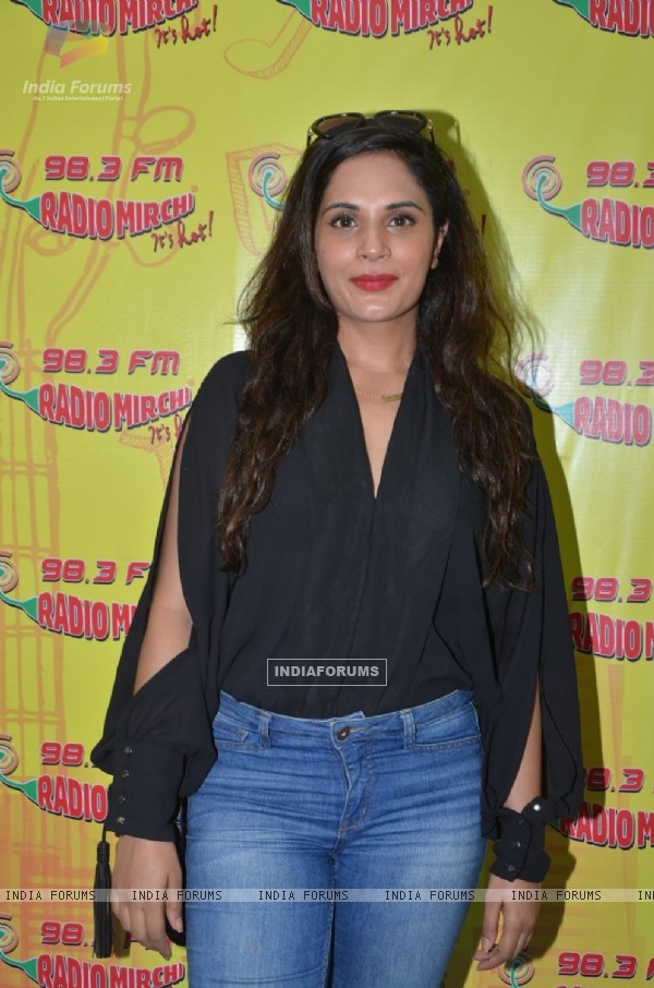 Richa Chadda at Radio Mirchi for Promotions of 'Sarbjit'