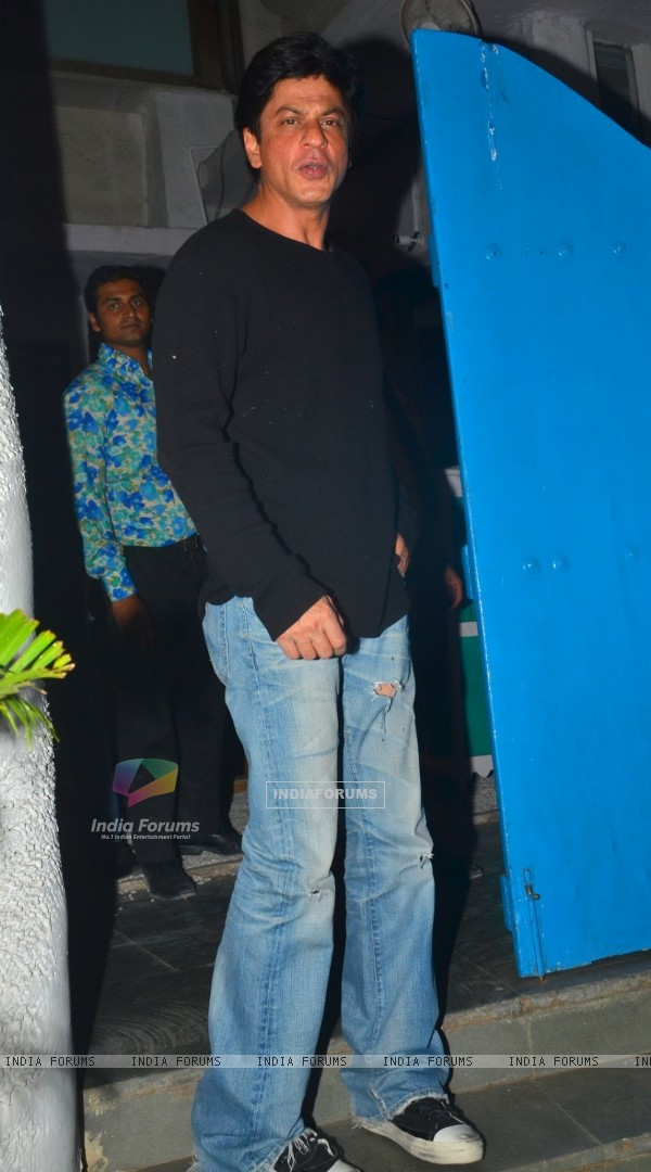 Shah Rukh Khan Snapped at Olive Restaurant