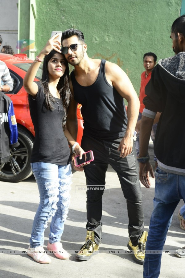 Varun Dhawan Snapped at Dream Tour Photoshoot