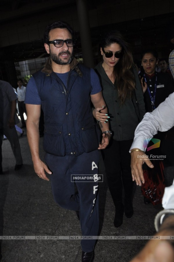 Saif Ali Khan and Kareena Kapoor Snapped at Airport