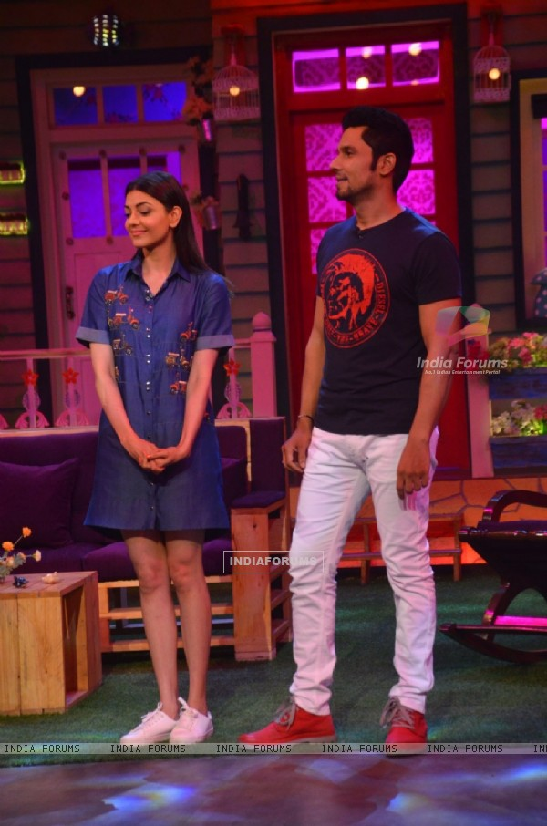 Randeep Hooda & Kajal Aggarwal 'Do Lafzon Ki Kahani' Team at 'The Kapil Sharma Show'