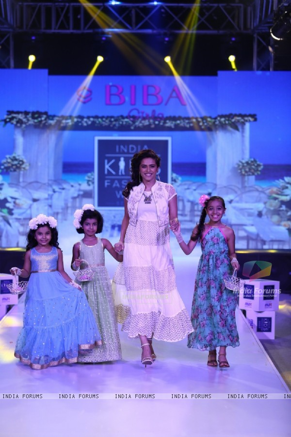 Madhurima Tuli Grace the Kids Fashion Week