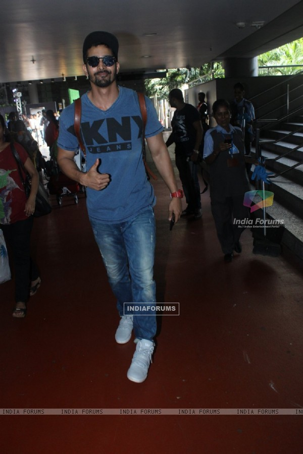Airport Spotting: Harshvardhan Rane