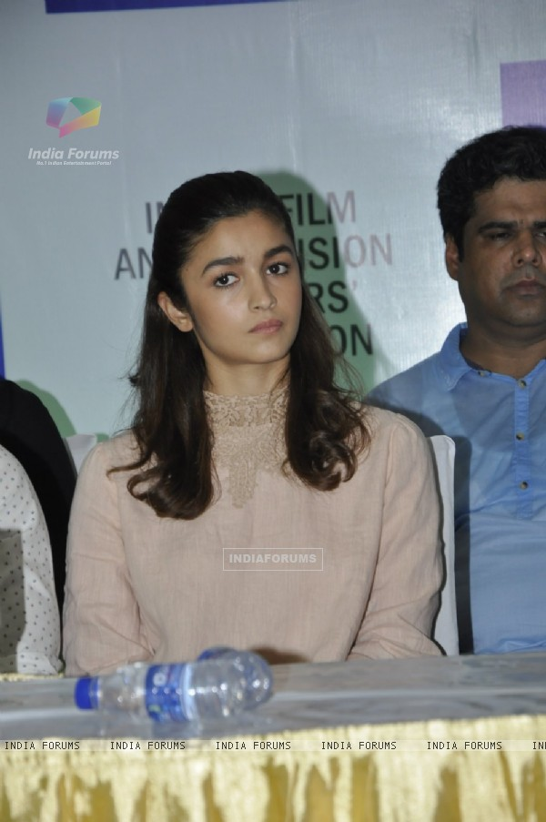 Alia Bhatt Press Meet of IFTDA for Udta Punjab Controversy!