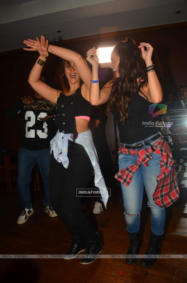 Illeana D'cruz dances at Lauren Gottlieb's 'Leap for Hunger' charity event on her 28th B'day