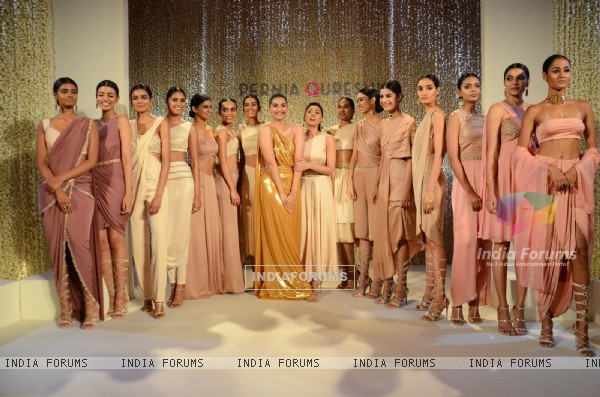 Sonam Kapoor walks for Pernia Qureshi!