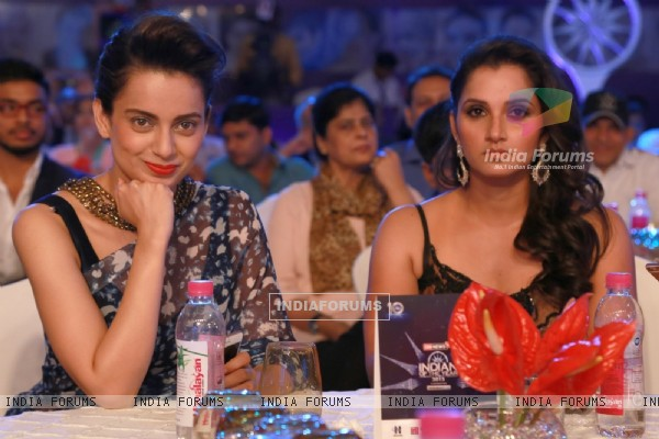 Kangana Ranaut and Sania Mirza at CNN IBN Awards