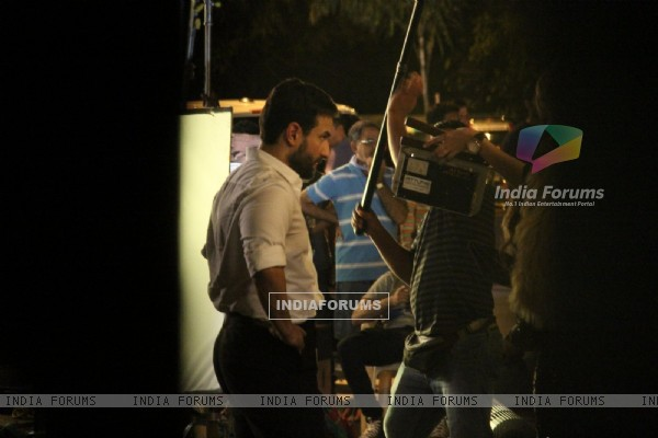 Saif Ali Khan Snapped shooting for his upcoming movie!