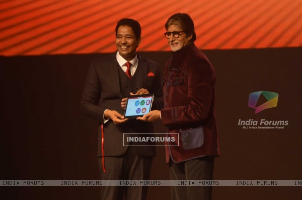 Amitabh Bachchan Launches new learnig tool 'Robomate+'