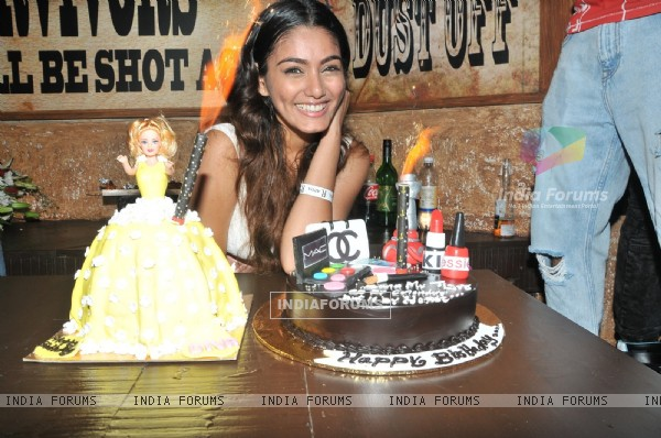 Sana Khan's Birthday Bash!