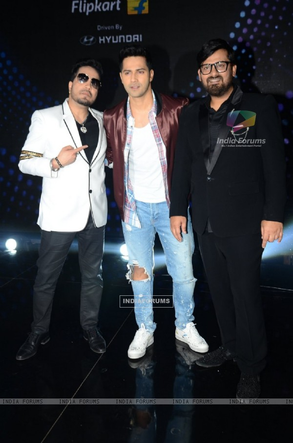 Varun Dhawan Promotes of 'Dishoom' on Sa Re Ga Ma Pa 2016