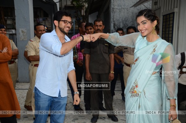 Sonam Kapoor with Aditya Thackeray Pays Tribute to Neerja Bhanot at a School Event