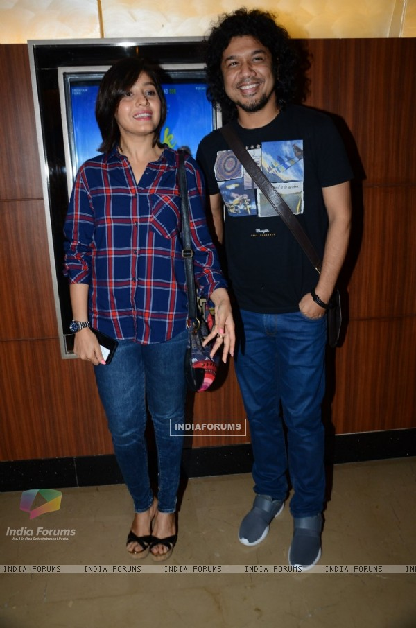 Sunidhi Chauhan at Special Screening of 'Dhanak'