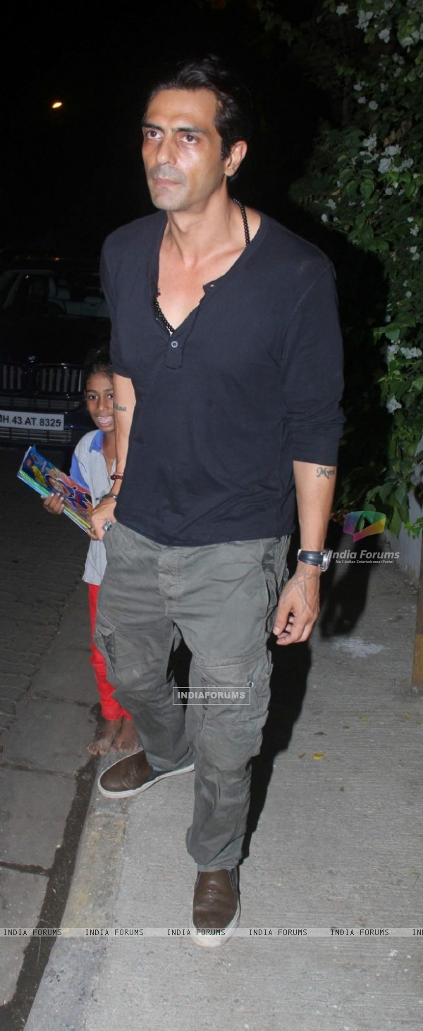 Arjun Rampal Snapped at Olives in Bandra
