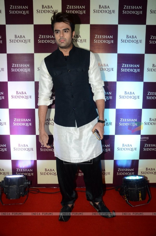 Manish Malhotra at Baba Siddique's Iftaar Party 2016