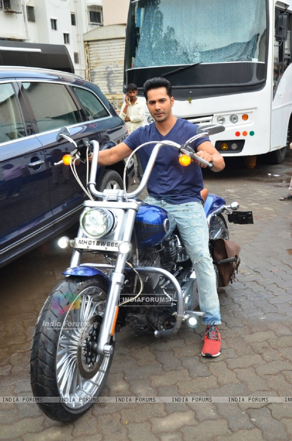 Varun Dhawan Snapped at Mehboob Studious