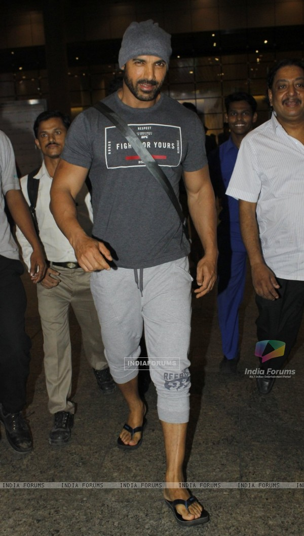 John Abraham Snapped at Airport