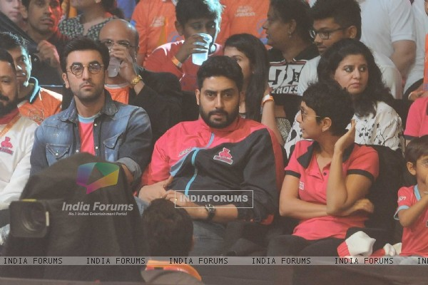 Ranbir Kapoor & Abhishek Bachchan at Launch of Pro Kabaddi League-Season 4