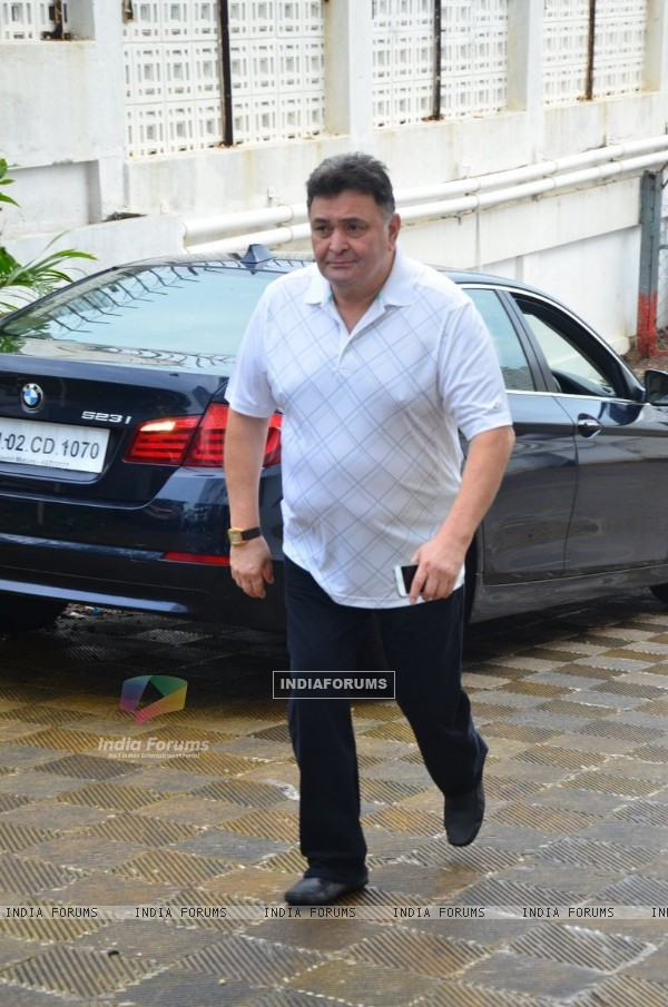 Rishi Kapoor at Prayer meeting of Raveena Tandon's father-in-law Kundan Thadani