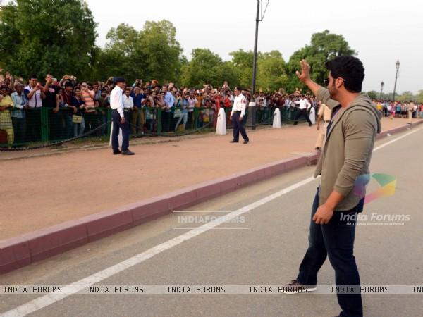 Arjun Kapoor Campaigns for Road Safety at India Gate