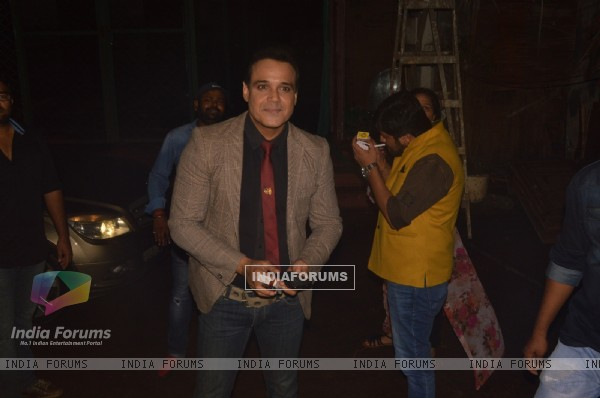 Yash Tonk celebrates completion of 200 episodes of Ye Vaada Raha