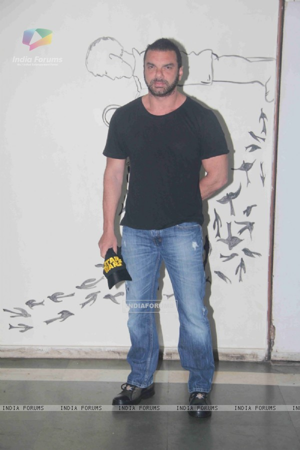 Sohail Khan Attends Daisy Shah's Debut Play 'Begum Jaan'