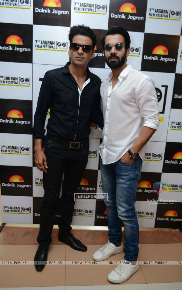 Manoj Bajpayee and Rajkummar Rao at 7th Jagran Film Festival at Siri Fort Auditorium