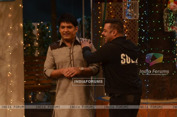 Salman Khan and Kapil Sharma Promotes 'SULTAN' on 'The Kapil Sharma Show'