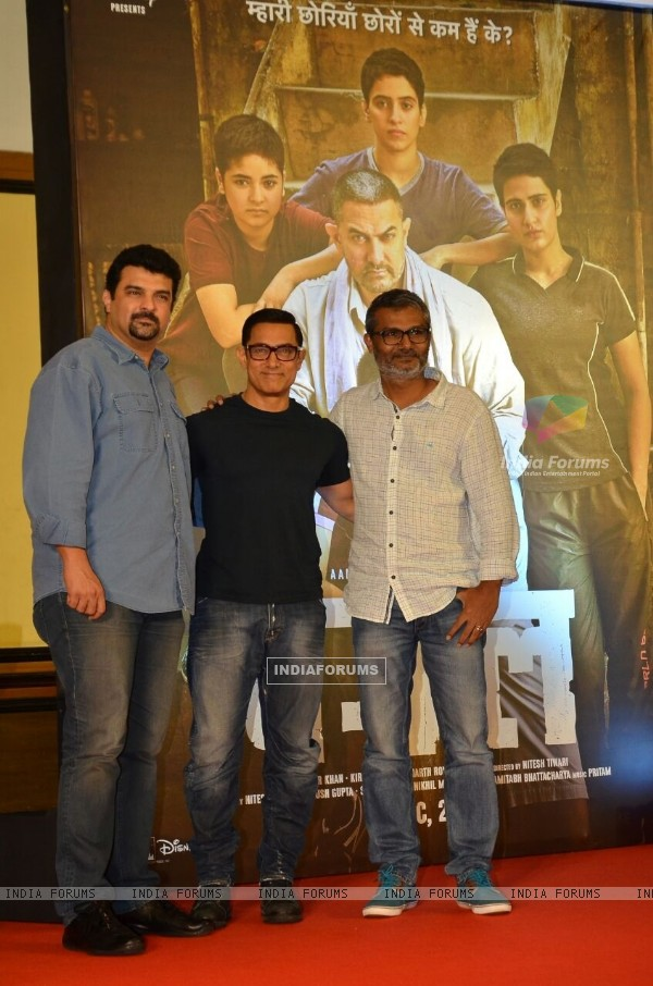 Aamir Khan and Siddharth Roy Kapur at Poster Launch of 'Dangal'