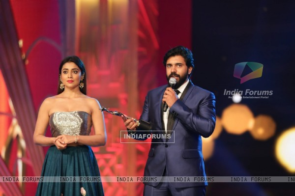 Shriya Saran at bSIIMA Awards 2016