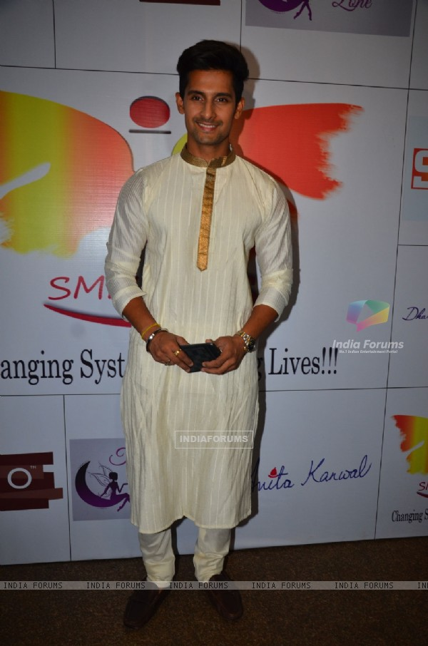 Ravi Dubey at Iftar party organized by NGO - SMMARDS.