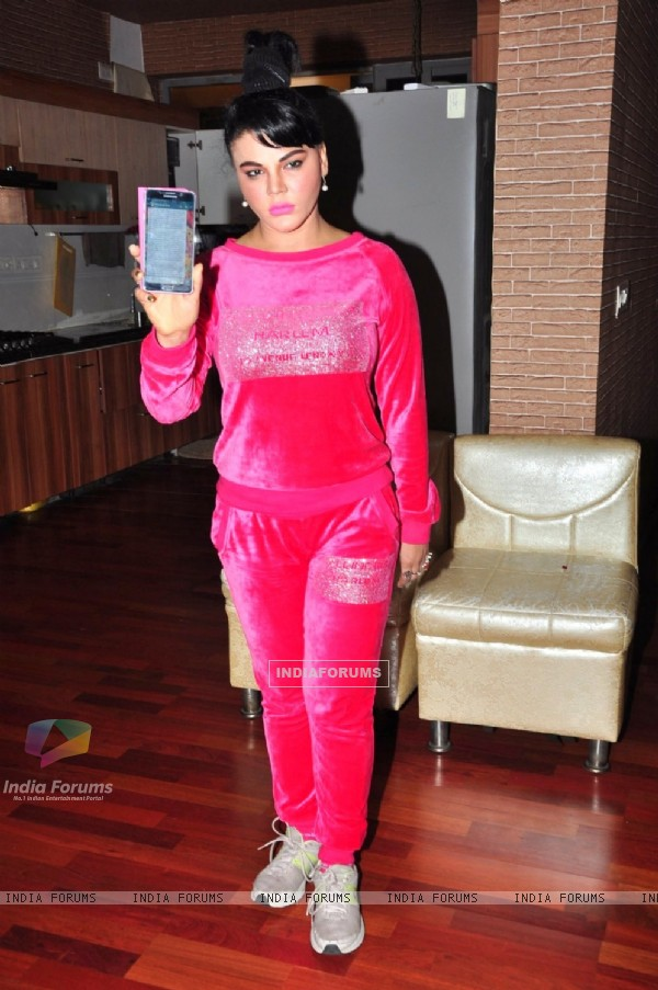 Rakhi Sawant in support of Mika Singh CCTV footage At Oshiwara