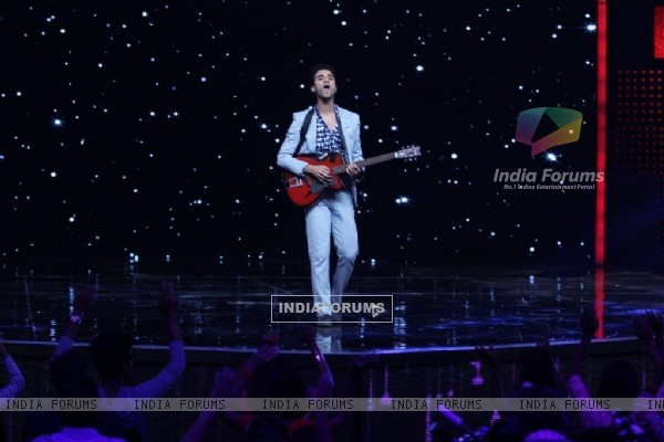 Raghav Juyal performing at Dance + Season 2