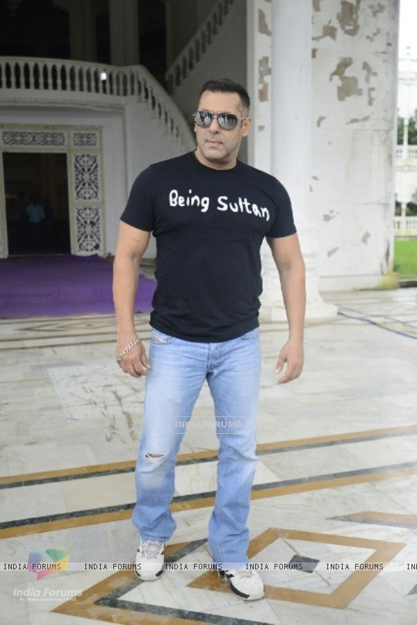 Salman Khan at 'Sultan' press meet at Panvel