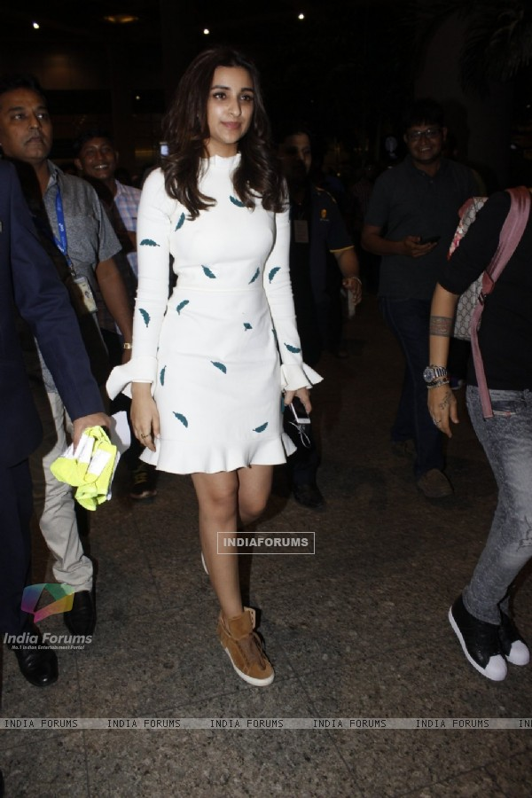 Airport Diaries: Parineeti Chopra!