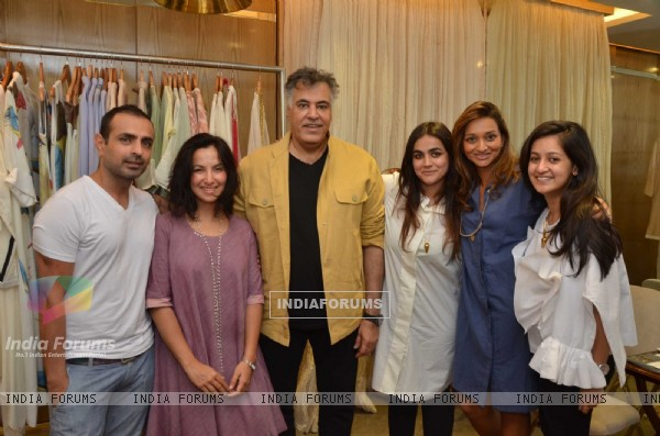 Mayank Anand, Shraddha Nigam & Abu Jani at Unveiling of New Collection at ABU-SANDEEP's Fantastique!