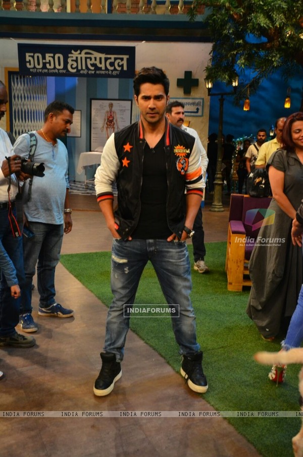 Varun Dhawan Promotes 'Dishoom' on sets of 'The Kapil Sharma Show'