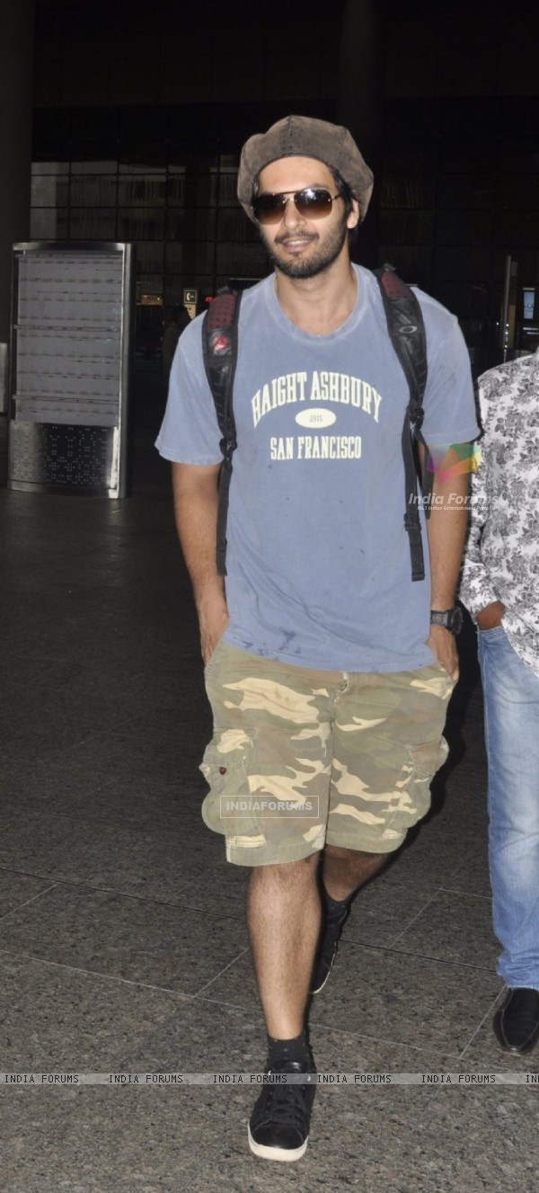 Ali Fazal spotted at airport!