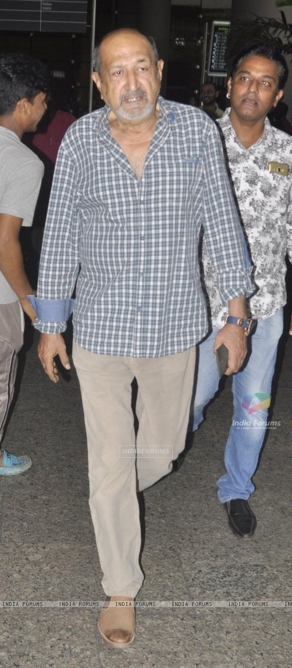Tinu Anand spotted at airport!