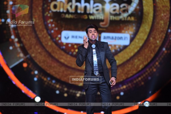 Manish Paul on the sets of 'Jhalak Dikhlaa Jaa'
