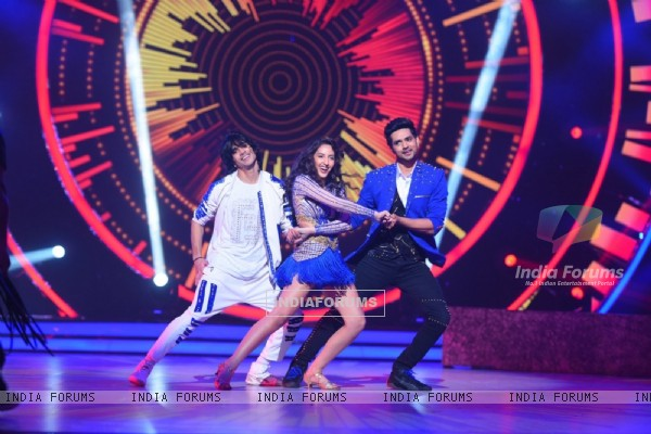 Shantanu Maheshwari and Nora Fatehi performing on the sets of 'Jhalak Dikhhla Jaa'