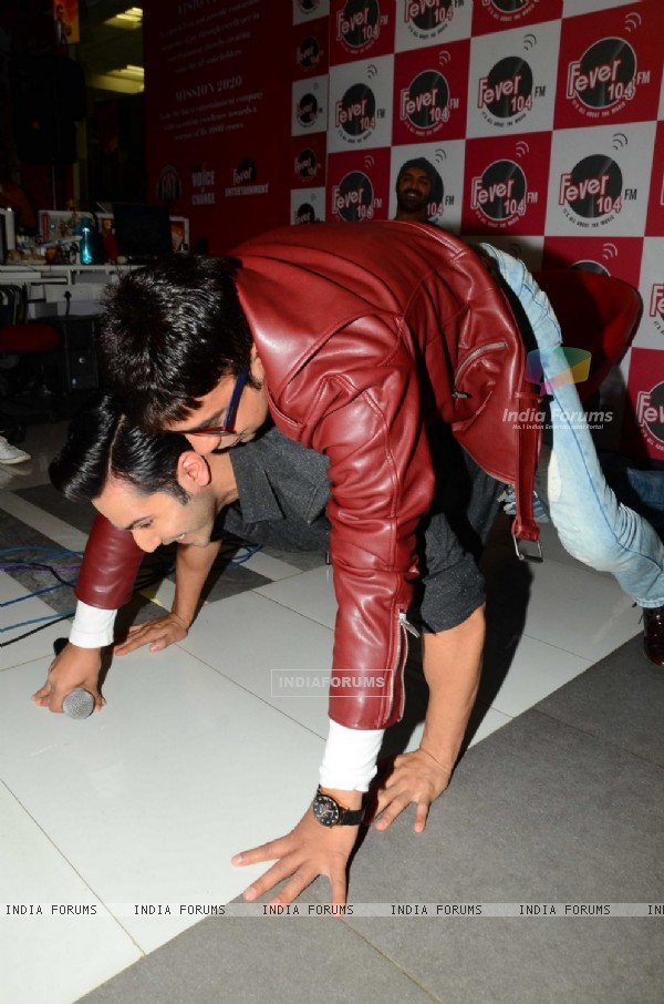 Varun Dhawan Promoting 'Dishoom' on Fever FM