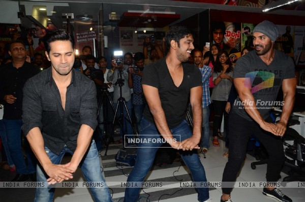 Varun Dhawan and John Abraham Promoting 'Dishoom' on Fever FM